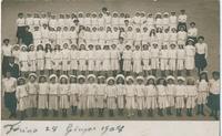 Gruppo di allieve nel 1908